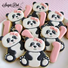 Panda Cookies by Sugar Dot Cookies - Would definitely make these without the bows. Bear Cookies, Iced Cookies, Cute Cookies, Cupcake Cookies, Panda Birthday Party, Birthday Cookies, Panda Party, Bolo Panda, Panda Cakes