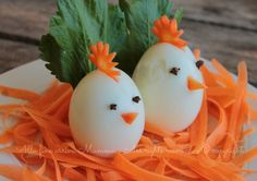 21 amazing ideas on how to serve cold bowls on a big 21 úžasných nápadov, ako servírovať studené misy na Veľkú noc: Toto vyt… 21 amazing ideas for serving cold bowls for Easter: You create this from ordinary hard-boiled eggs, cheese and vegetables! Food Art For Kids, Cooking With Kids, Cooking Tips, Baby Food Recipes, Indian Food Recipes, Creative Food Art, Food Carving, Food Garnishes, Food Platters