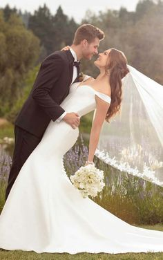 Our Wedding Dress Shopping Tips With Essense Of Australia wedding photos Our Wedding Dress Shopping Tips With Essense Of Australia Wedding Picture Poses, Romantic Wedding Photos, Wedding Couple Poses, Elegant Wedding Dress, Designer Wedding Dresses, Dress Wedding, Romantic Weddings, Wedding Simple, Perfect Wedding