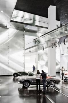 Atelier Bruckner conceives and designs spaces for brands, exhibitions, trade fairs, and museums. From content and messages, they are able to develop surprising ideas as well as creating memorable design concepts that set international standards.