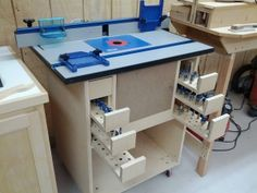 Rounter table idea. Located; Kreg router cabinet plans from their DVD. Must find.