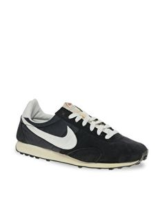 Nike Pre Montreal Racer Trainers