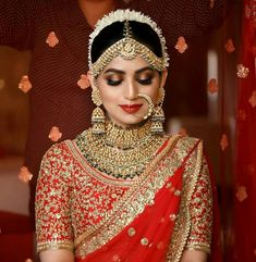 One needs to be sure of how they want to look on their biggest day before choosing your bridal look. Here are the list of top 51 Indian bridal makeup looks. Indian Wedding Makeup, Indian Bridal Outfits, Indian Bridal Fashion, Bridal Dresses, Indian Bridal Jewelry, Indian Makeup, Bridal Dress Indian, Pakistani Bridal Makeup Red, Indian Bride Dresses