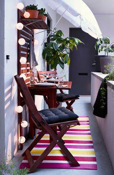 Der Balkon   Kleiner Balkon Gestalten Als Unser Kleines Wohnzimmer Im  Sommer Kleine Terrasse, Garten