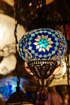 Turkish Lanterns, Turkish Lamps, Moroccan Lamp, Stained Glass Chandelier, Stained Glass Flowers, Diy Chandelier, Mosaic Crafts, Mosaic Art, Mosaic Glass