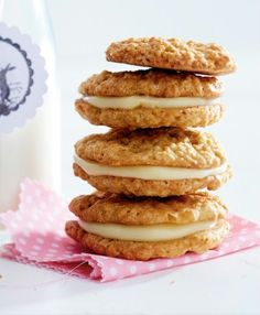 Knusprige Kekse mit Schwips: Carrot-Cookies mit Eierlikörcreme