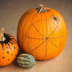 Calabazas pintadas para decorar en Halloween Halloween Pinterest