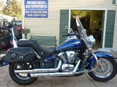 This 2011 #Kawasaki Vulcan 900 classic LT #Cruiser_Motorcycle looks beautiful in Blue/Black combination. It's available under factory warranty with following features: Mustang Seat, Saddlebags, backrest, engine guard, Vance and Hines Performance Exhaust, Power Commander tuner, Windshield, Spot Lamps and much more. So don't waste time and just dial (858) 705-1238 or visit BestBuyMotorCycles.Com for more details.