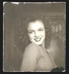 Brunette Marilyn Monroe