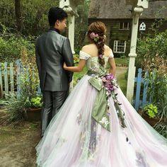 B r i d a l ♡  #ブライダル #ヘアスタイル #ウェディングフォト  #ブライダルヘア #ヘアアレンジ #ヘアアレンジが好き #プレ花嫁 #花嫁ヘア #卒花嫁 #やわらかヘア  #ブライダルヘア  #カラードレス #英国式庭園 #あみおろし