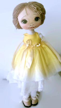 Handmade textile doll, made bu KamomillaDesign. Disney Characters, Fictional Characters, Textiles, Hand Painted, Dolls, Disney Princess, Handmade, Art, Baby Dolls