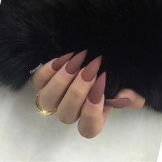 Matte Stiletto Nails, Red Acrylic Nails, Glitter Nail Art, Acrylic Nail Designs, Nail Art Designs, Nails Design, Coffin Nails, Natural Stiletto Nails, Stylish Nails