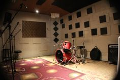 Hourly Rehearsal Rooms and Monthly Lockouts: rates, sizes, and studio amenities. Ask about our weekday special!