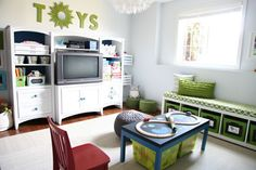 IHeart Organizing: IHeart My Home - Home Tour! A must see for organizer types. Before and after shots of diy home.