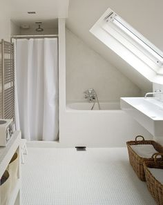 Are you looking for some minimalist bathroom ideas? Here we have several pictures of minimalist bathroom decor ideas you try. No matter how big or small your bathroom is, decorating this room… Continue Reading → White Minimalist Bathrooms, Minimalist Showers, Minimalist Bathroom Design, White Bathrooms, Dream Bathrooms, Small Attic Bathroom, Loft Bathroom, Upstairs Bathrooms, Bathroom Ideas