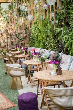 Mismatched Furniture, Outdoor Furniture Sets, Outdoor Decor, Patio, Backyard, Cafe Interior Design, Coffee Shop Design, Modern Lounge, Cute Wedding Ideas
