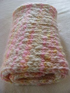 How to knit a baby blanket-beautiful colors!   I see nothing on the web page but I LoVE the colors and the chunkiness of this blanket!