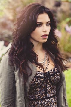 Jenna Dewan Tatum as Freya on Witches of East End. Hair game always on point!