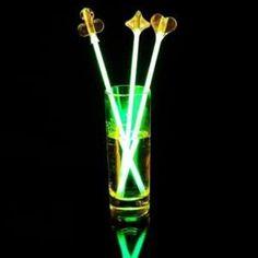 Créer ton propre produit lumineux Choisis la couleur de produits et son capuchon! 🛒 N'hésite pas à retrouver tout nos articles sur notre site internet: http://www.braceletphosphorescentfluo.com/🛒 #fluo #soirée #fun #bracelet #original #fête