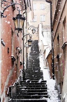 I have walked these steps in the springtime... What a beautiful slant this image has in winter. (Stockholm)