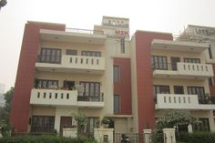 3 Bhk Floor for Lease in Mayfield garden, Sector-51, Gurgaon - http://www.kothivilla.com/properties/3-bhk-floor-lease-mayfield-garden-sector-51-gurgaon/