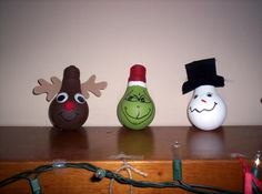 Kate's Kitchen: Christmas decorations - cute way to recycle old light bulbs