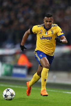 Alex Sandro of Juventus during the UEFA Champions League Round of 16 Second Leg match between Tottenham Hotspur and Juventus at Wembley Stadium on March 2018 in London, United Kingdom. - 208 of 209 Torino Fc, Wembley Stadium, March 7, London United, Uefa Champions League, Tottenham Hotspur, Sandro, Squad, Costa