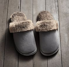 Luxe Faux Fur Scuff Slippers - wolf - size small