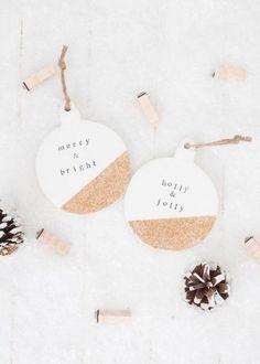 15 DIY Christmas Ornaments Minimalists Will Love - Weihnachten / Christmas - DIY Rustic Christmas Ornaments, Glitter Ornaments, Noel Christmas, Homemade Christmas, Christmas Projects, Holiday Crafts, Christmas Decorations, Ornaments Ideas, Clay Ornaments