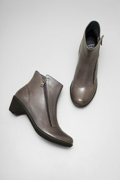 2d73bfa635a8 Billie Grey Burnished Nappa from the Barcelona Born Shoes