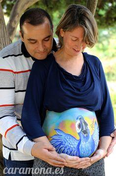 Belly painting, pintura para embarazada, parrot, rio in barcelona