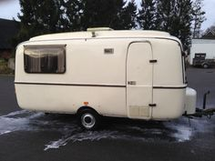 Lander Caravan   Caravanity 2 Diy Caravan, Caravan Vintage, Camper Caravan, Vintage Caravans, Old Campers, Happy Campers, Glamping, Eriba Puck, Gmc Motorhome