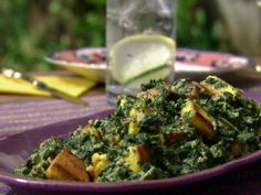 Saag Paneer: Spinach with Indian Cheese Recipe : Aarti Sequeira. The best saag recipe so far. Next time I am going to use haloumi cheese. Saag Paneer Recipe, Paneer Recipes, Indian Food Recipes, Vegetarian Recipes, Cooking Recipes, Palak Paneer, Masala Recipe, Keto Recipes, Halloumi
