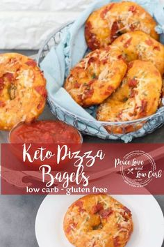 All the delicious flavors of keto pizza, combined with the dense chewy texture of a low carb bagel. These Keto Pizza Bagels are a match made in heaven. Low Carb Bagels, Low Carb Pizza, Keto Bagels, Pizza Pizza, Keto Foods, Keto Snacks, Healthy Snacks, Healthy Eating, Keto Diet Breakfast