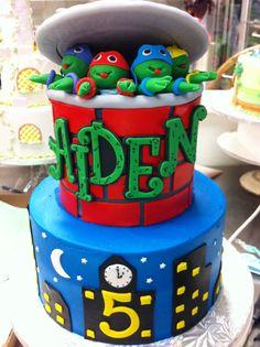 A Teenage Mutant Ninja Turtles cake! #TMNT