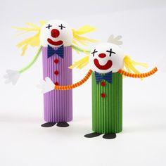 #Clown gemaakt van ribbelkarton, #clown made of hardboard