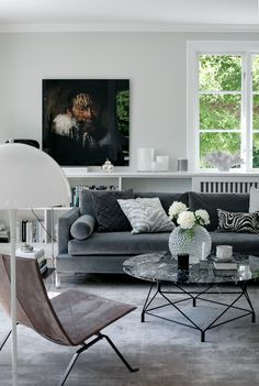 Making Your Living Room Look and Feel More Luxurious – Jessica Elizabeth Easily make your living room look and feel more luxurious with these key design principles and ideas Trendy Living Rooms, Living Room Decor Neutral, Homedecor Living Room, Luxury Home Decor, Living Decor, Interior Design, House Interior, Living Room Furniture, Room Decor