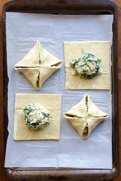 Chicken, Spinach and Artichoke Puff Pastry Parcels are super elegant and perfect for your spring special occasion! Chicken, Spinach and Artichoke Puff Pastry Parcels are super elegant and perfect for your spring special occasion! Puff Pastry Chicken, Spinach Puff Pastry, Chicken Puffs, Spinach Pie, Frozen Puff Pastry, Spinach And Feta, Spinach Stuffed Chicken, Puff Pastry Recipes Savory, Mushroom Dish