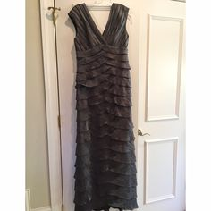 Adrianna Papell Formal Dress Very comfy dress perfect for prom or any formal occasion. Worn once. Has not been altered. Adrianna Papell Dresses Prom