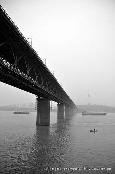 Bride over Yang Tze River, Wuhan 2012, via Flickr.