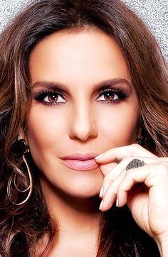 Ivete Sangalo, Brazilian singer.