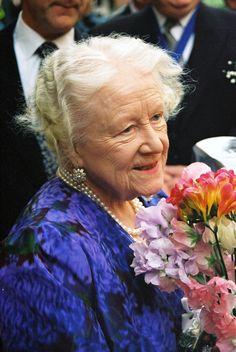 Elizabeth Queen Of England, Lady Elizabeth, Princess Elizabeth, Windsor, Royal Family Pictures, Family Photos, George Vi, Princesa Margaret, Harry And Meghan Wedding