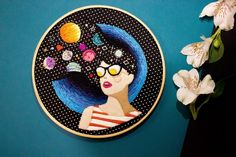 Bordado da artista brasileira Marcela Ghirardelli;