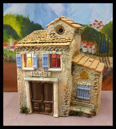 Santons Atelier de Fanny-Santons et Crèches de Noël-Santons de Provence - Mairie - 54.00 EUR