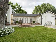 4611 Arcady Avenue, Highland Park TX: 1 bedroom, 1 bathroom Single Family residence built in 1950.