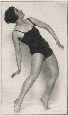 Trude Fleischmann, Hanne Wassermann dancing