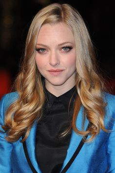 Amanda Seyfried's soft blonde curls - celebrity hair and hairstyles
