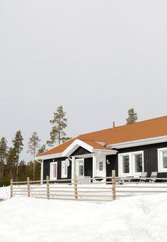 Älvsbyhus modell Tyr i vinterskrud.