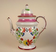 Strawberry Pattern Leeds Type Pearlware Glaze Soft Paste Pottery Dome Lid Teapot - I love this stuff! Cute Teapot, English Pottery, China Sets, Chocolate Pots, Cup And Saucer, Tea Time, Glaze, Tea Pots, Past