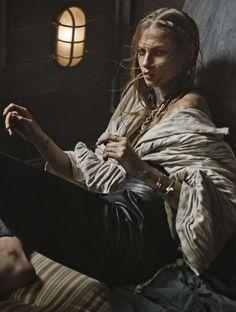 Vogue Alemanha Maio 2015 | Anna Selezneva por Giampaolo Sgura [Editorial]
